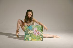 バレエ、アクリル画、ステンドグラスのジャンルを超えたアートを紹介します!