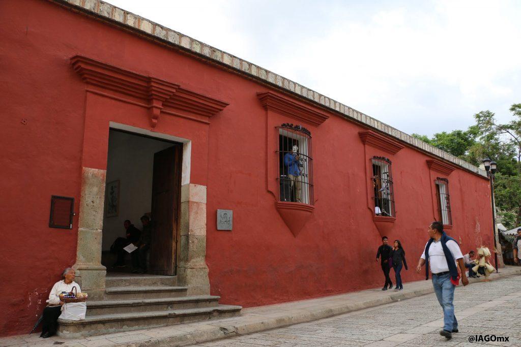 IAGO: Instituto de Artes Graficas Oaxaca